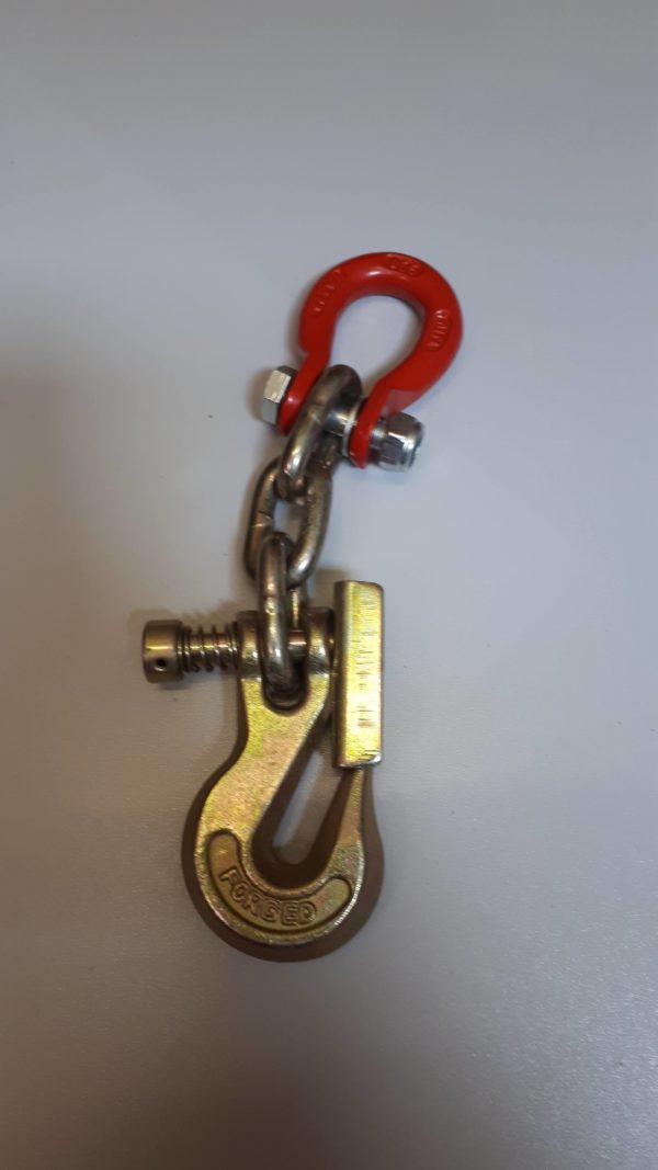 Grab Hook with Latch and 3 chain links and Unilock